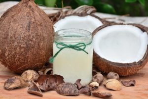 Read more about the article Is Coconut Oil Healthy?